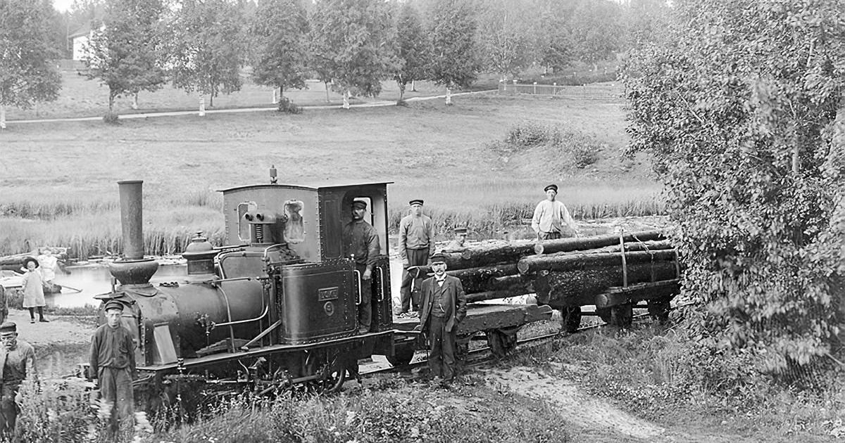 Loke med timmervagnar